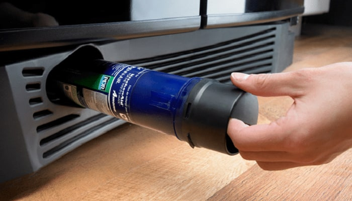 refrigerator-water-filter-replacement
